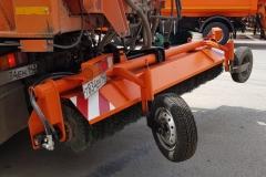 Spazzatrice-stradale-autocaricata/Sweeper-road-autoloaded