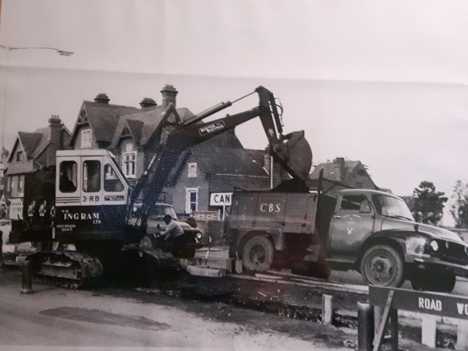 Foto-3 - Escavatore Inghilterra
