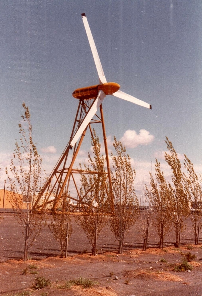Foto-6 - Prototipo centrale eolica 1978