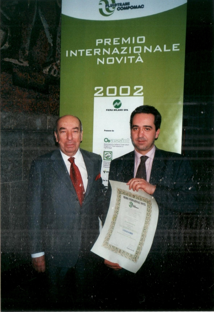 4 Oleodinamica Geco - Premio-novità-2002